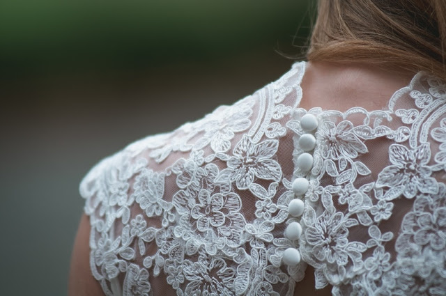 Simple Ways to Save Money on Your Wedding Dress