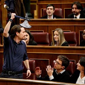 Pablo Iglesias luce el hacha de guerra ante sus pelotillas