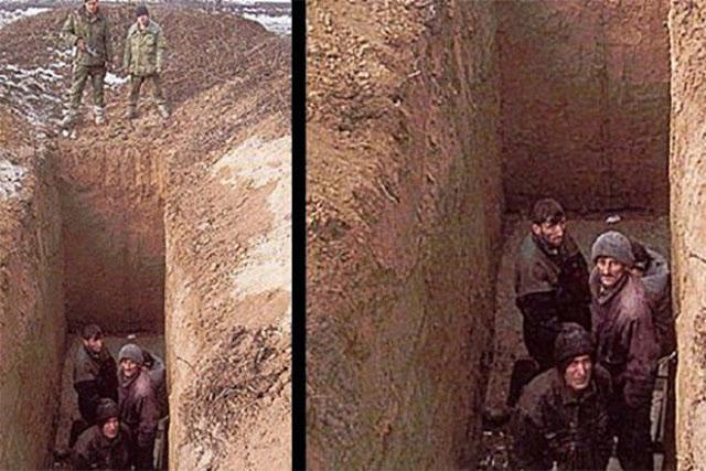 foto sesaat sebelum orang orang di bom di dalam sebuah lubang