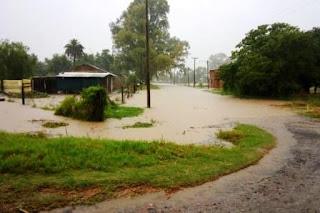 Hasta anoche habían caído 170 milímetros, pero las precipitaciones se mantuvieron durante toda la noche, por lo que se cree que el cuadal de agua que se sumó al arroyo Pergamino es mayor.