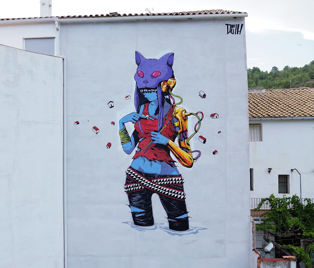 While we last heard from him in Istanbul, Turkey a few weeks ago, our friend Deih is now in Spain where he just finished working on a brand new piece on the streets of Fanzara.