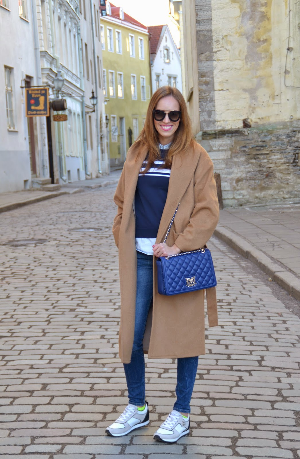 camel-coat-blue-jeans-white-sneakers-outfit-winter-street-style