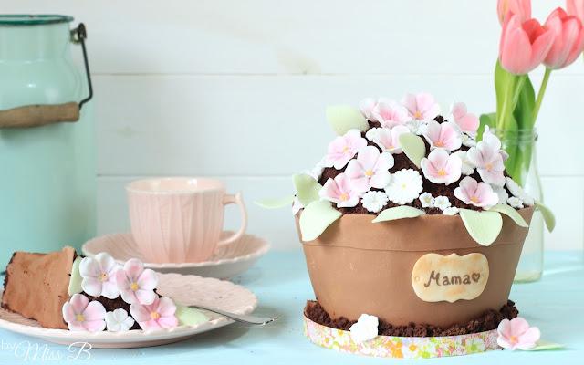 Zum Muttertag: Wunderschöne Blumentopf-Torte mit Cake Company