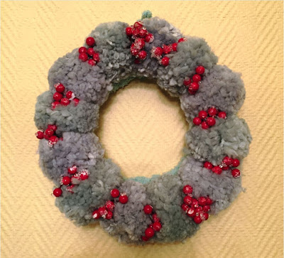 pompon-wreath-diy-christmas-deco-chez agnes
