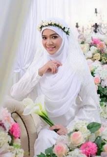 Gaun pengantin muslimah Dengan Pashmina Syari