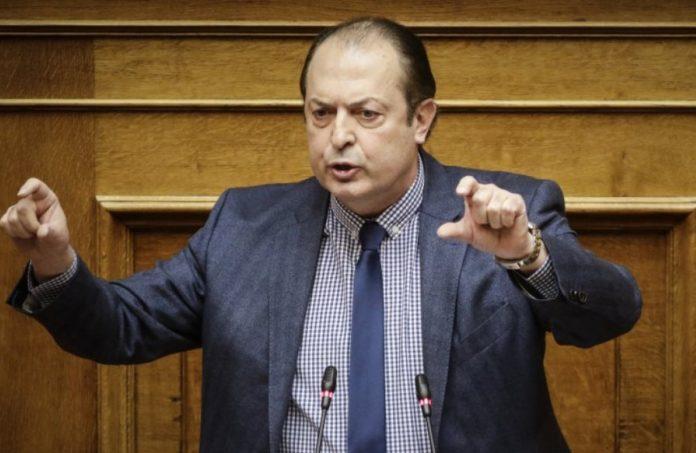 Πρίν λίγο αποχώρησε από τους ΑΝΕΛ ο βουλευτής θεσσαλονίκης Λαζαρίδης – Διαλύονται