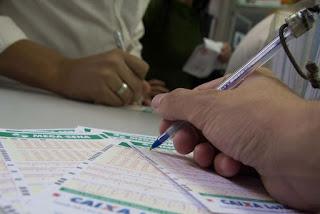 Mega-Sena acumulada pode pagar R$ 5,5 milhões nesta quarta-feira