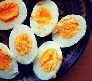 Mengonsumsi masakan sehat bagi Ibu hamil sangat penting untuk menjaga kesehatan dan perke 27 Makanan Sehat Untuk Ibu Hamil (Serta Tips Pentingnya)