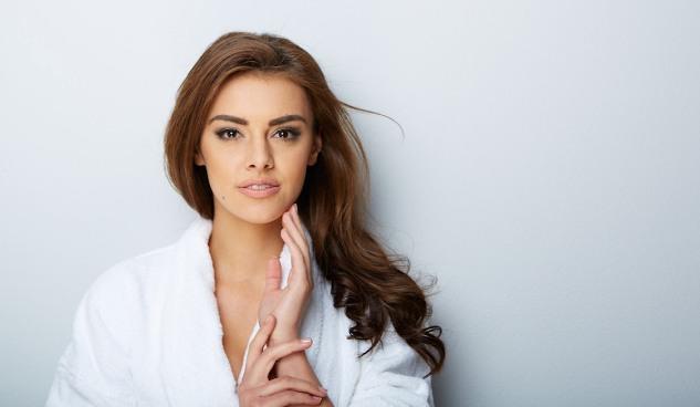 6 Cara Membuat Wajah Tampak Awet Muda Tanpa Operasi Plastik