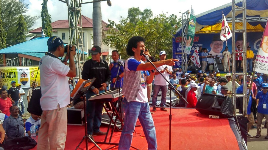 Kampanye Aminullah - Zainal Dihibur Oleh Artis Aceh