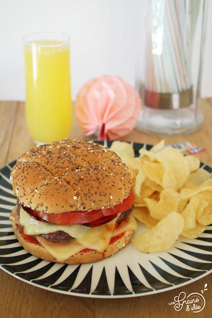 burger boeuf épice sriracha ketchup tabasco chorizo tomate gouda