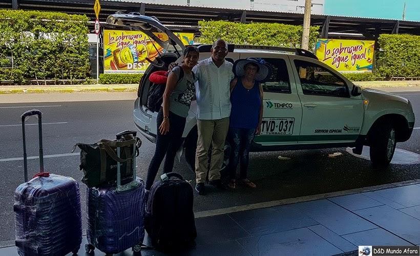 Equipe de Juan Ballena nos deixando no aeroporto - Diário de bordo: 4 dias em Cartagena, Colômbia