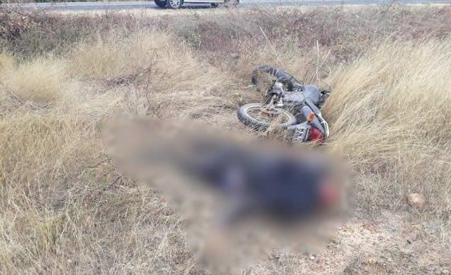 Motociclista é achado morto às margens da BR-230 no Sertão da Paraíba
