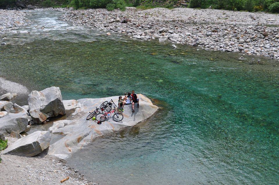 Turismo lento val verzasca da brione a sonogno in bike for Val verzasca dove fare il bagno