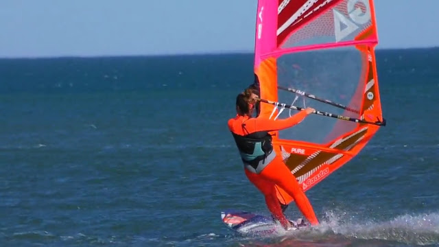 Océane Gilles windsurf Gaastra Tabou La vieille nouvelle Port la Nouvelle Leucate pure twister freestyle windsurfgirls roxy