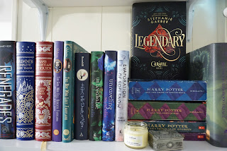 Bookshelf image of Legendary by Stephanie Garber