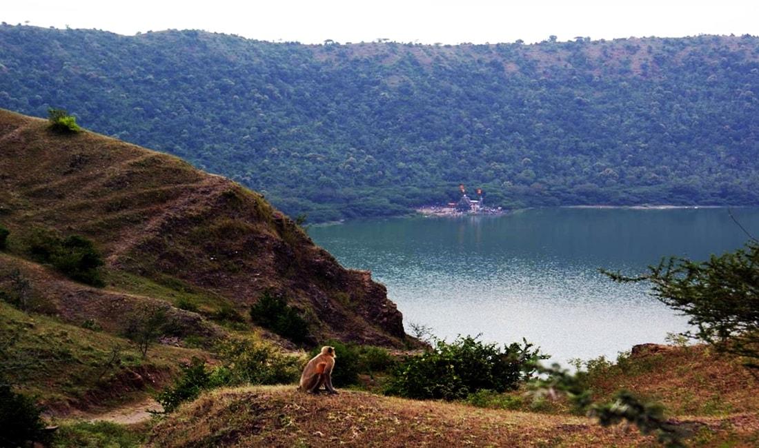 Lonar lake Photos, lonar sarovar photos and images free