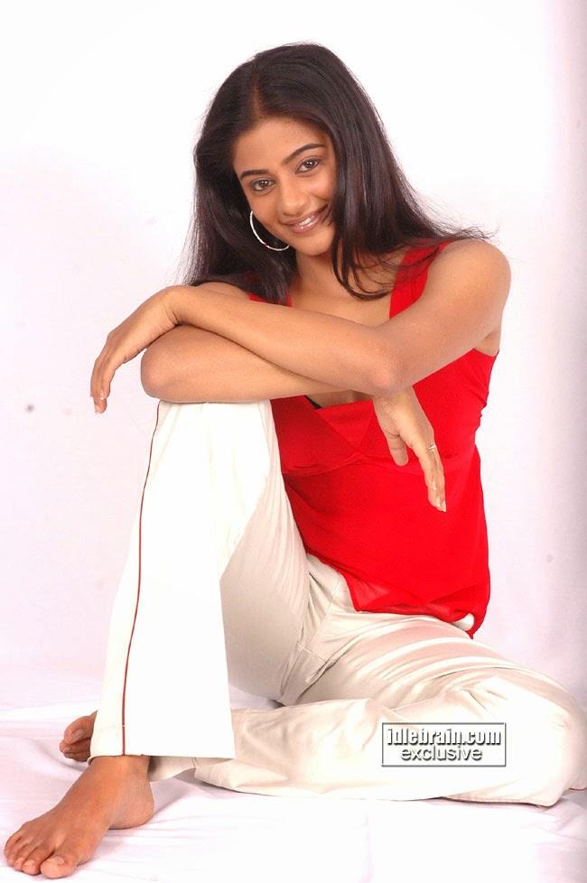 tamil actress pooja kumar