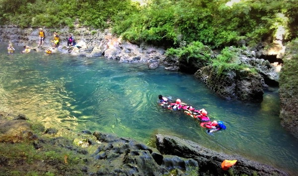 Body rafting di Green Canyon - Pangandaran