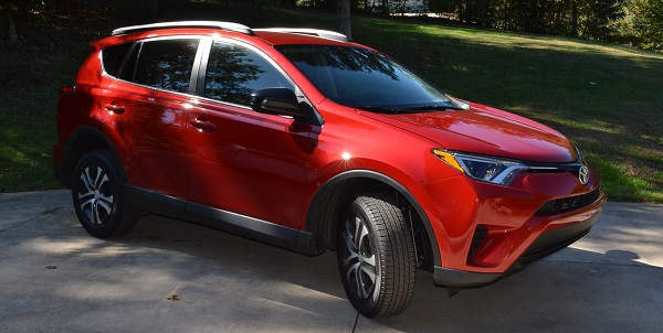 2016 Toyota RAV4 LE side view