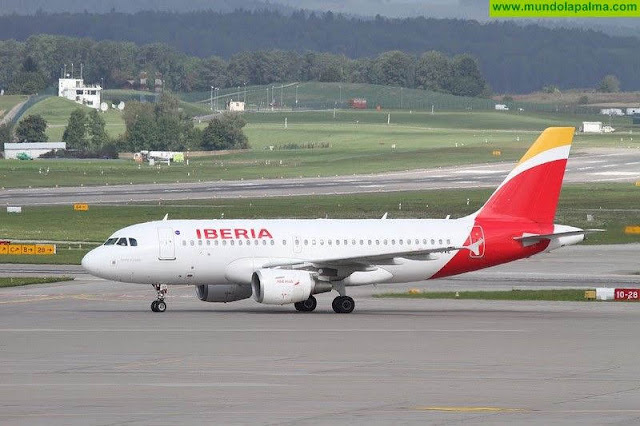 El presidente de Canarias anuncia un aumento del 13% en las plazas aéreas de Vueling e Iberia Express en sus rutas al Archipiélago