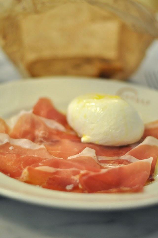 Fresh Mozzarella and Proscioutto