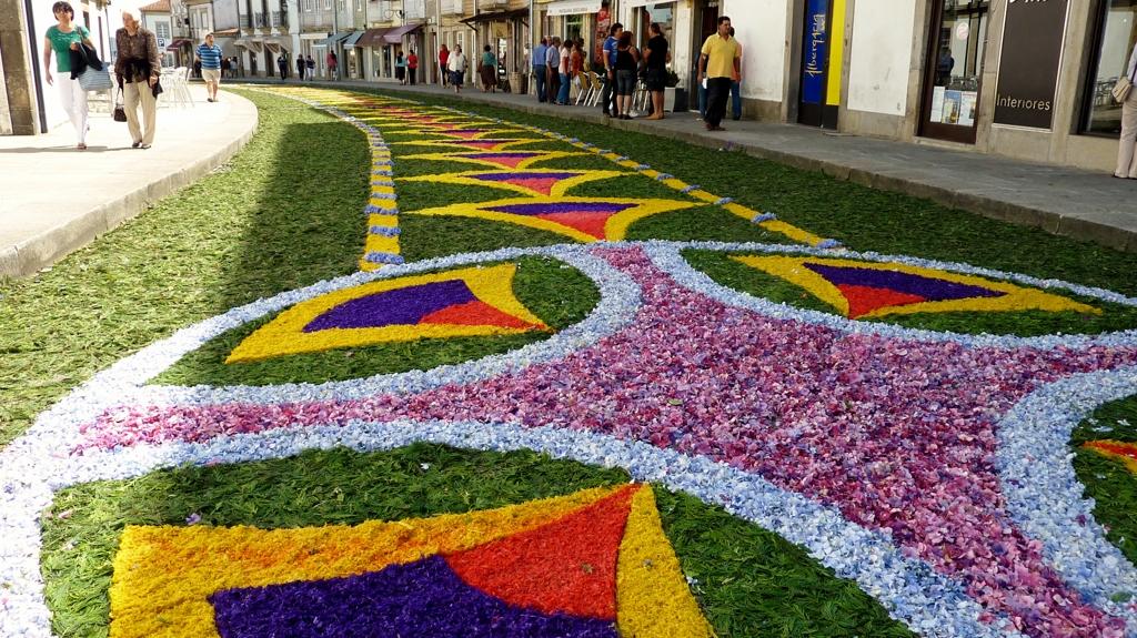 Tapetes floridos nas ruas de caminha - Alfombras portugal ...