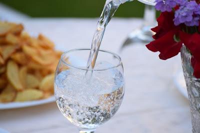 養生之道,水對人的好處,飲水的好處,喝水的重要,水對人的影響,水對身體的重要