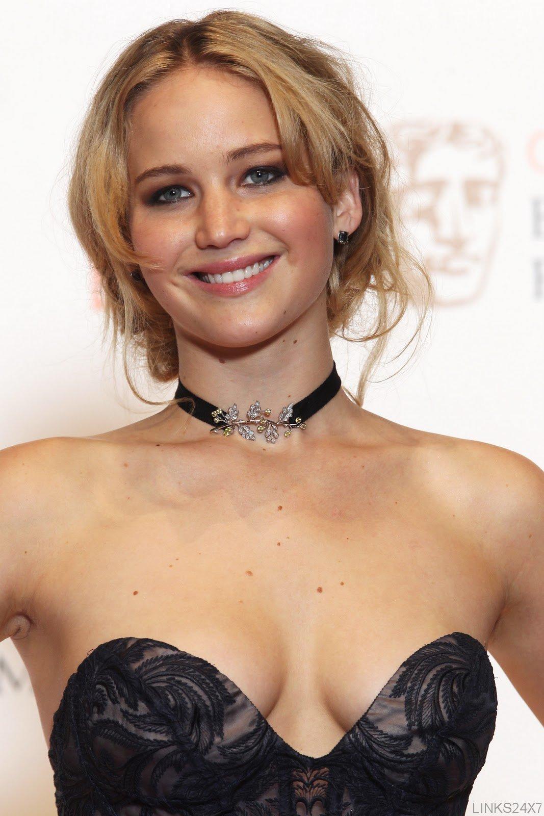 Jennifer Lawrence Hot Photos  Global Celebrities Blog-7044