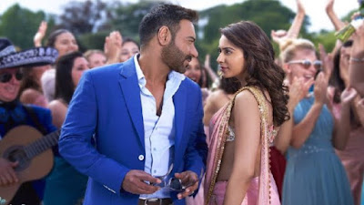 अजय देवगन ही नहीं, बल्कि बॉलीवुड के इन 4 स्टार्स ने खूब से आधी उम्र की एक्ट्रेस के साथ कर चुके हैं रोमांस