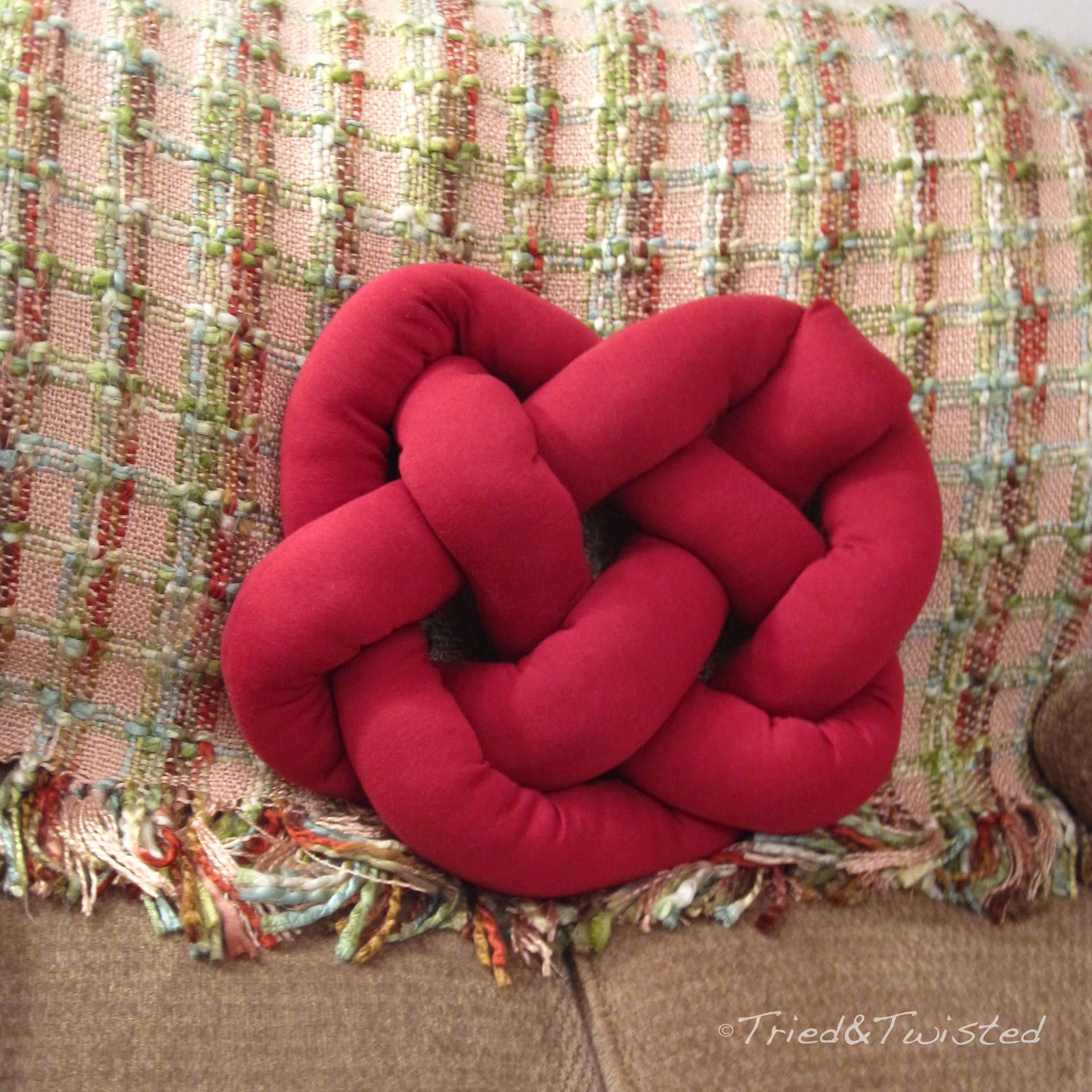 Tried And Twisted Diy Celtic Knot Heart Pillow