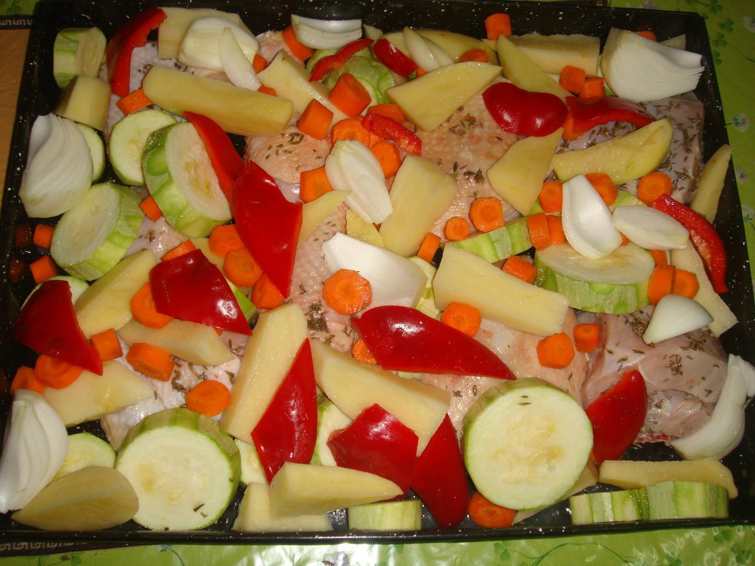 pollo al horno con patatas cebolla y zanahoria