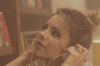 Resenha Musical | Com mensagem positiva, Sandy lança novo single