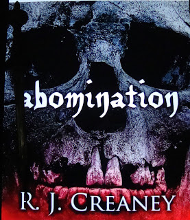 Portada del libro Abomination, de R. J. Creaney