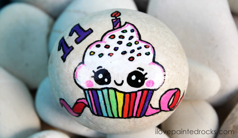 how to paint a cupcake on a rock - inspired by Draw So Cute