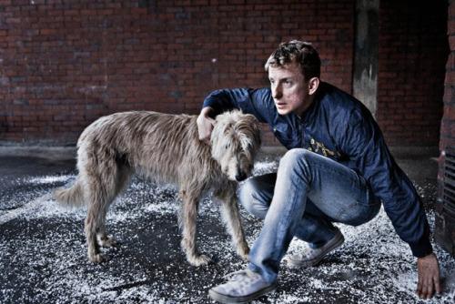 Ivan Mishukov pria yang hidup dan dibesarkan oleh anjing