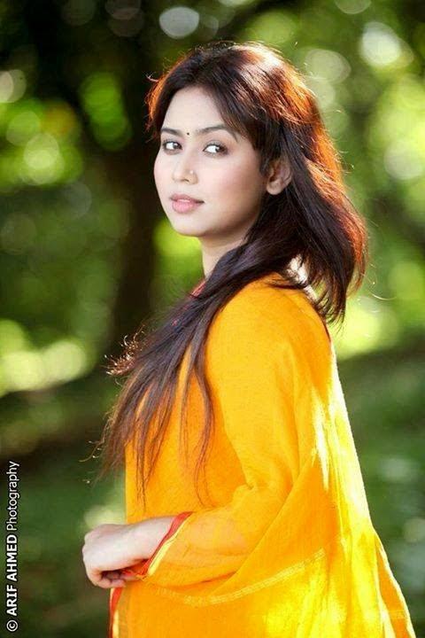 Sexy singer shreya ghoshal cum shot - 1 3
