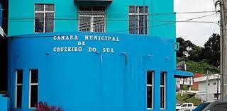 Os vereadores de Cruzeiro do Sul aumentaram em mais de 52% o valor das diárias para descolamentos dentro do estado.
