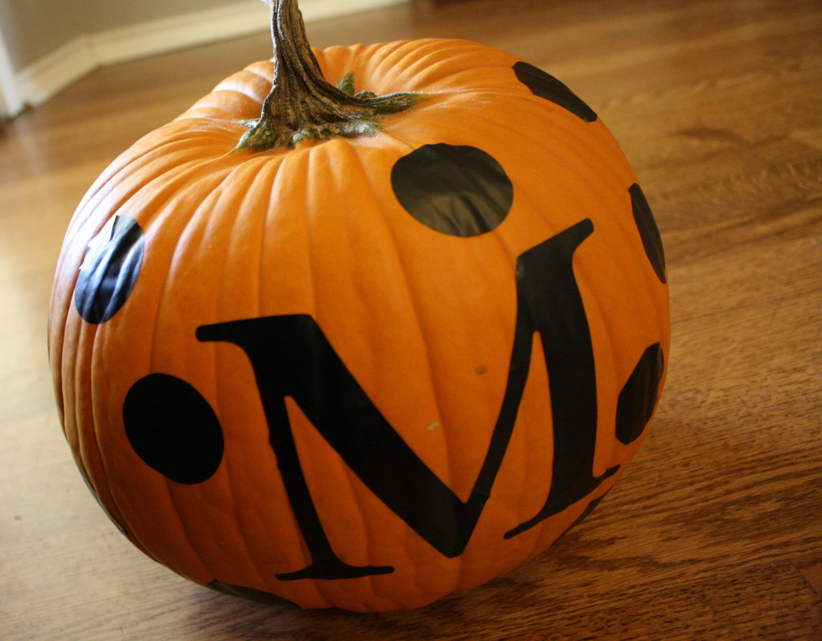 52 mantels monogrammed pumpkin for Monogram pumpkin templates