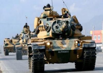 Άρματα μάχης και πολεμικό υλικό ξεφορτώνουν οι Τούρκοι στην Αμμόχωστο