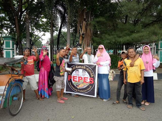 Emak-Emak Pendukung Prabowo-Sandi Berkeliling Indonesia