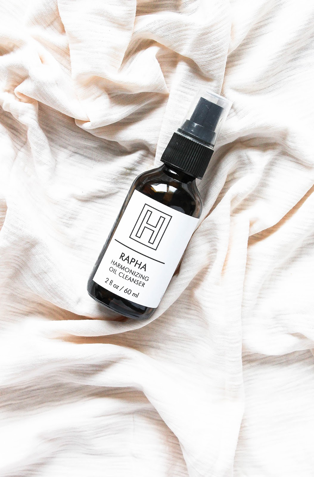 H IS FOR LOVE Rapha Harmonizing Oil Cleanser. Chamomile, Calendula, Turmeric. Organic, vegan. Calming, soothing.