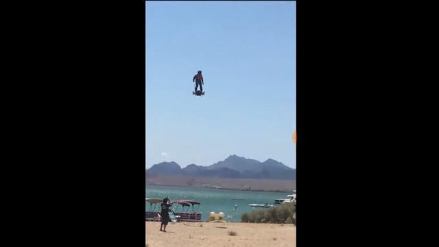 Terbang di atas Danau, Franky Zapata Lakukan Uji Coba Terbaru dari Flyboard Air Miliknya