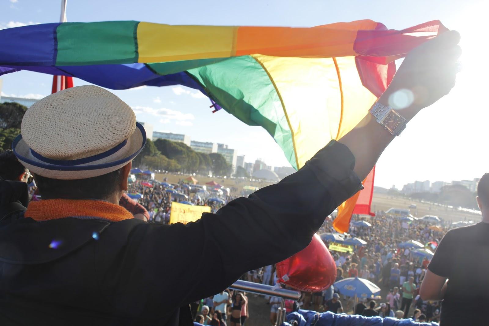 Governo do DF cria comitê com foco em políticas para público LGBT