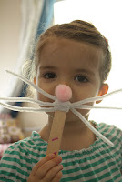 http://www.akailochiclife.com/2012/04/fun-easter-crafts.html