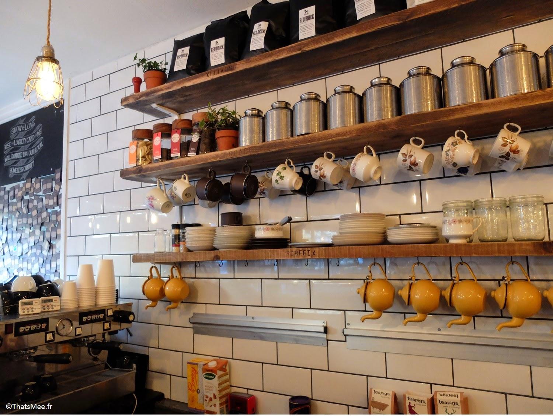 bar théière tasses pots café Maison d'Etre coffee shop Islingthon & Highbury hipster must place-to-be Kim