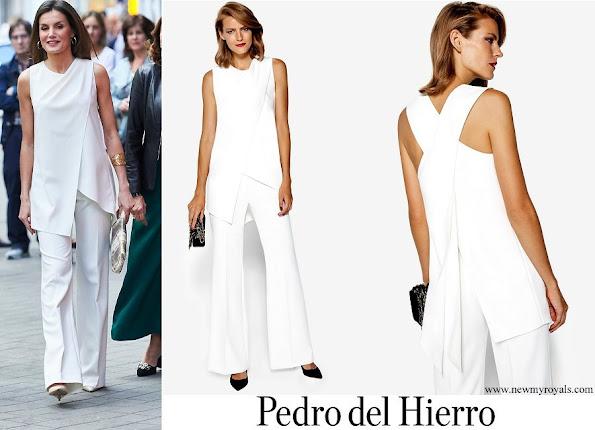 Queen Letizia wore a white dress by Pedro del Hierro