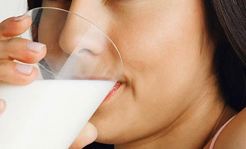 ดื่มนมสิวขึ้น