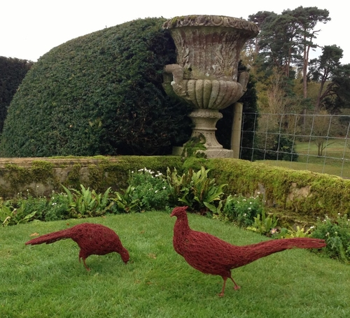 18-Pheasants-Barry-Sykes-Sculptures-of-Animals-in-Wire-www-designstack-co
