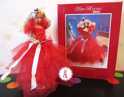 Коллекционная кукла барби в нарядном платье красного цвета
